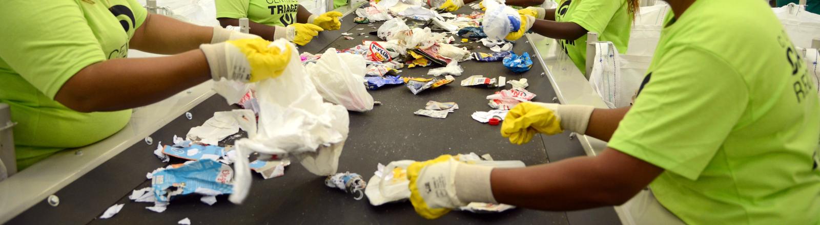 Catadores de Materiais Recicláveis - Política Nacional de Resíduos Sólidos, Reciclagem, Florianópolis, Santa Catarina